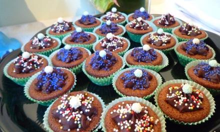 カップケーキは女子パーティーでは定番中の定番。今回は感じの一人の手作り。