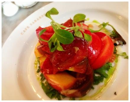 旬のエアルームトマトのサラダ