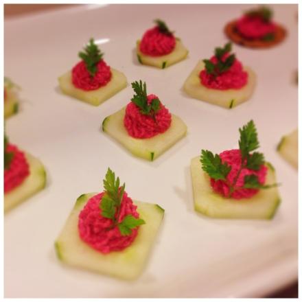 Beetsとリコッタチーズのムース on Cucumber