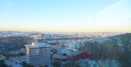 出産したUCSFの部屋よりサンフランシスコとサンフランシスコ湾を望んで。お産の行われる部屋は丘の上に建つUCSFのビルの15階に。景色は絶景です。