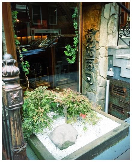 SOHOを早朝一人で歩いている時に発見。とても美味しそうなお寿司屋さん?次回ぜひ行ってみたい。
