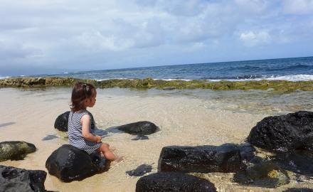 mama'sの近くにあるビーチで1時間ほど遊んでからランチに